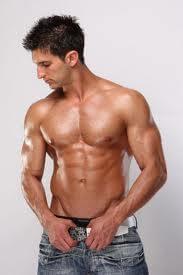 готин пич пръшкан с тестостерон и добре изразена чиста мускулна маса